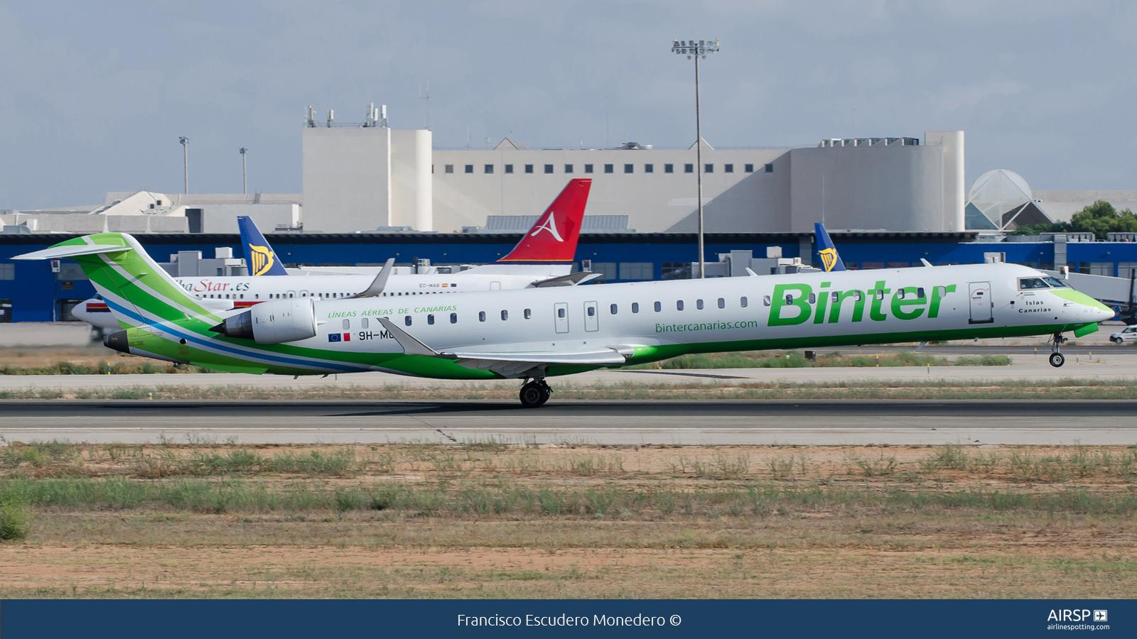 Binter Canarias  Mitsubishi CRJ-1000  9H-MOX