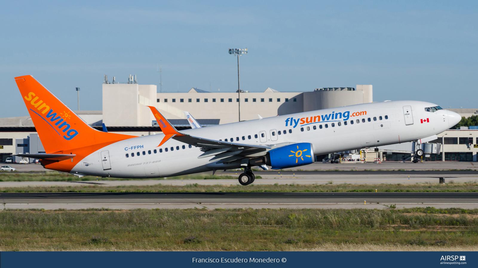 Sunwing Airlines  Boeing 737-800  C-FFPH