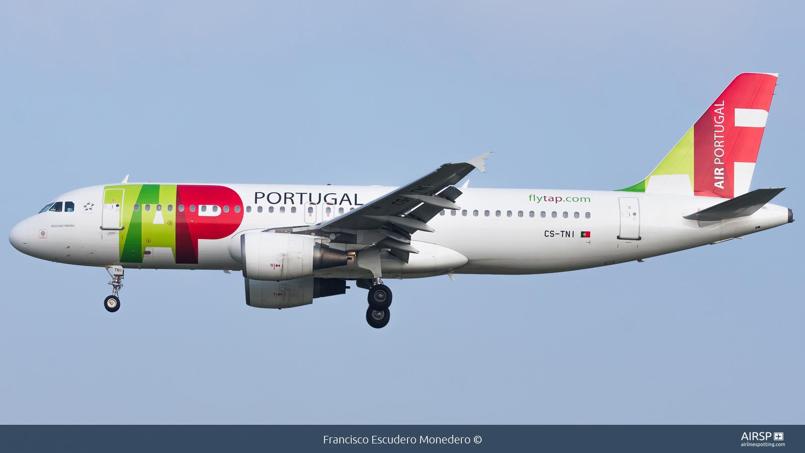 TAP Portugal  Airbus A320  CS-TNI