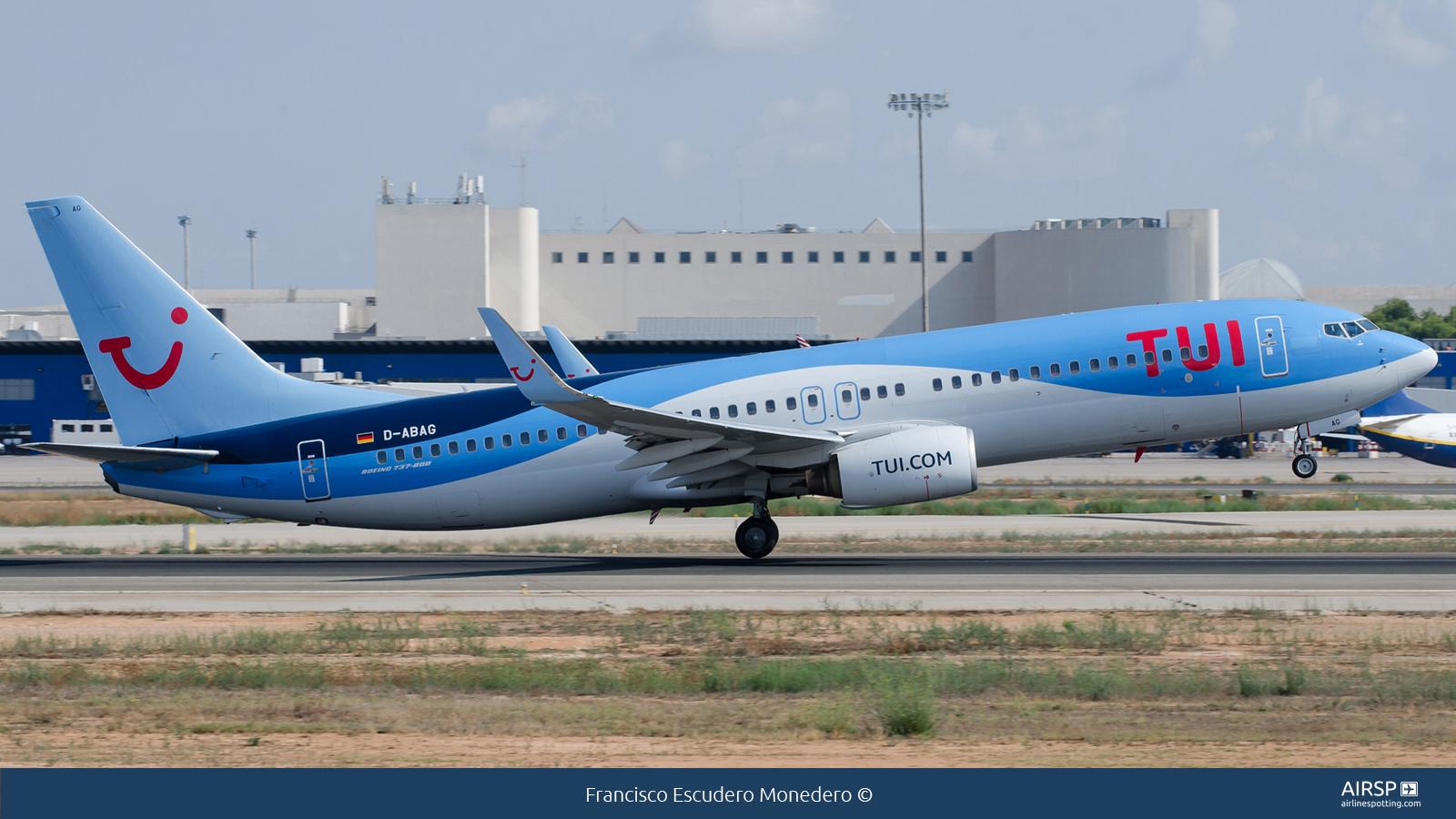 Tui Airways  Boeing 737-800  D-ABAG