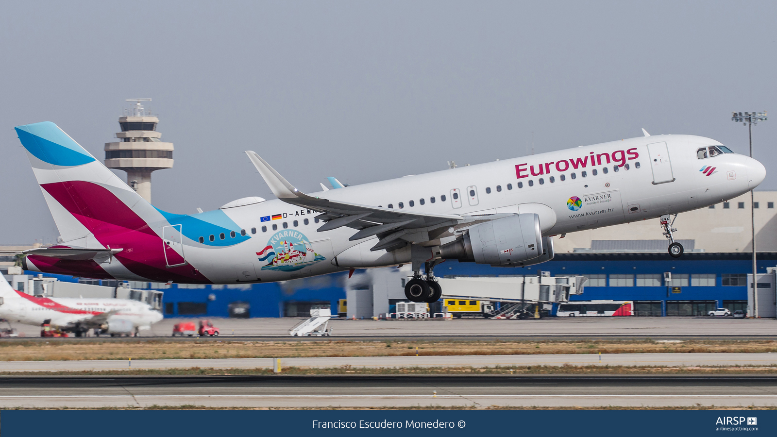 Eurowings  Airbus A320  D-AEWK
