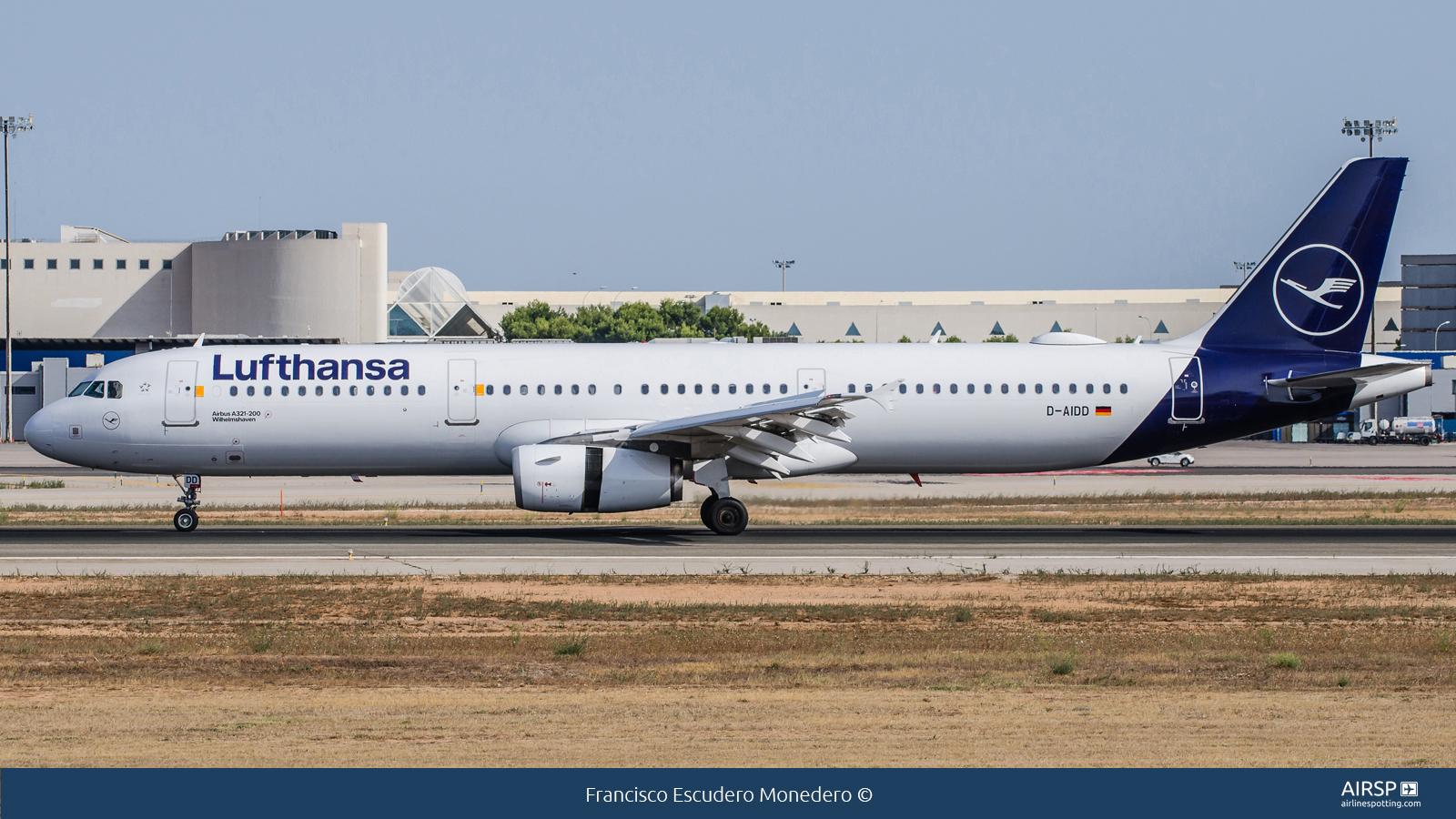 Lufthansa  Airbus A321  D-AIDD