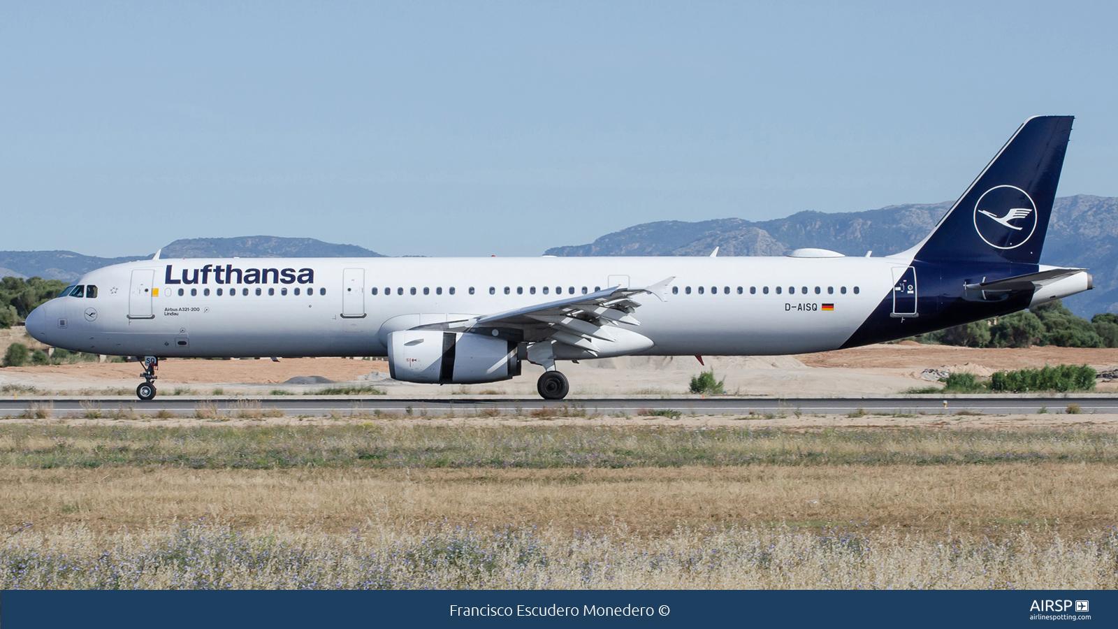 Lufthansa  Airbus A321  D-AISQ
