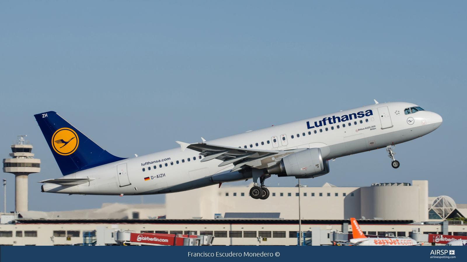 Lufthansa  Airbus A320  D-AIZH