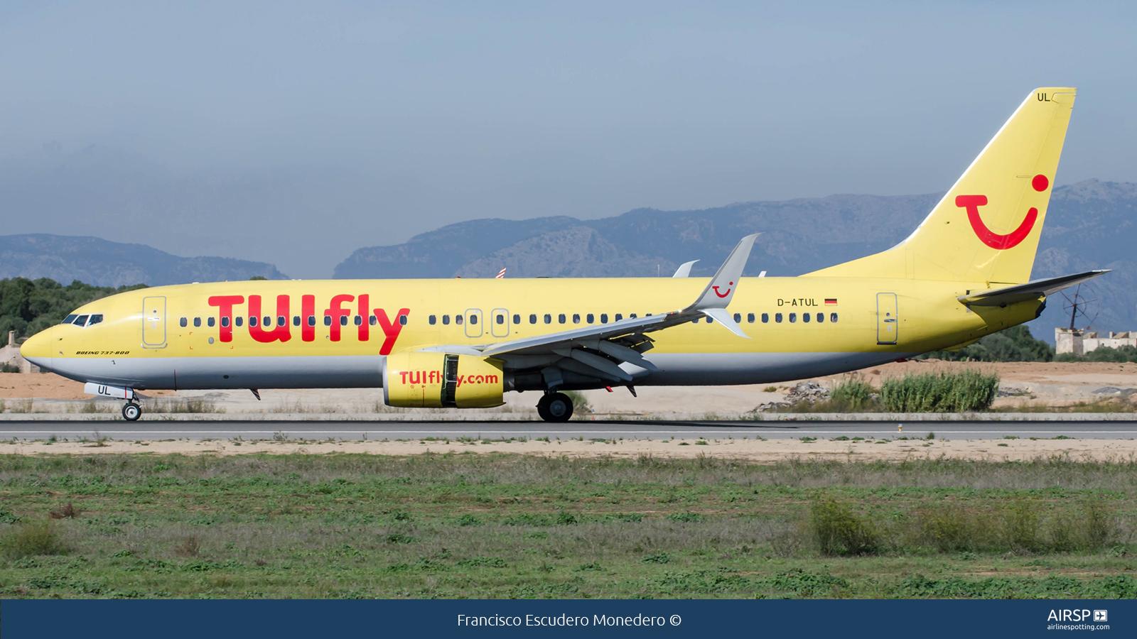 Tui Fly  Boeing 737-800  D-ATUL