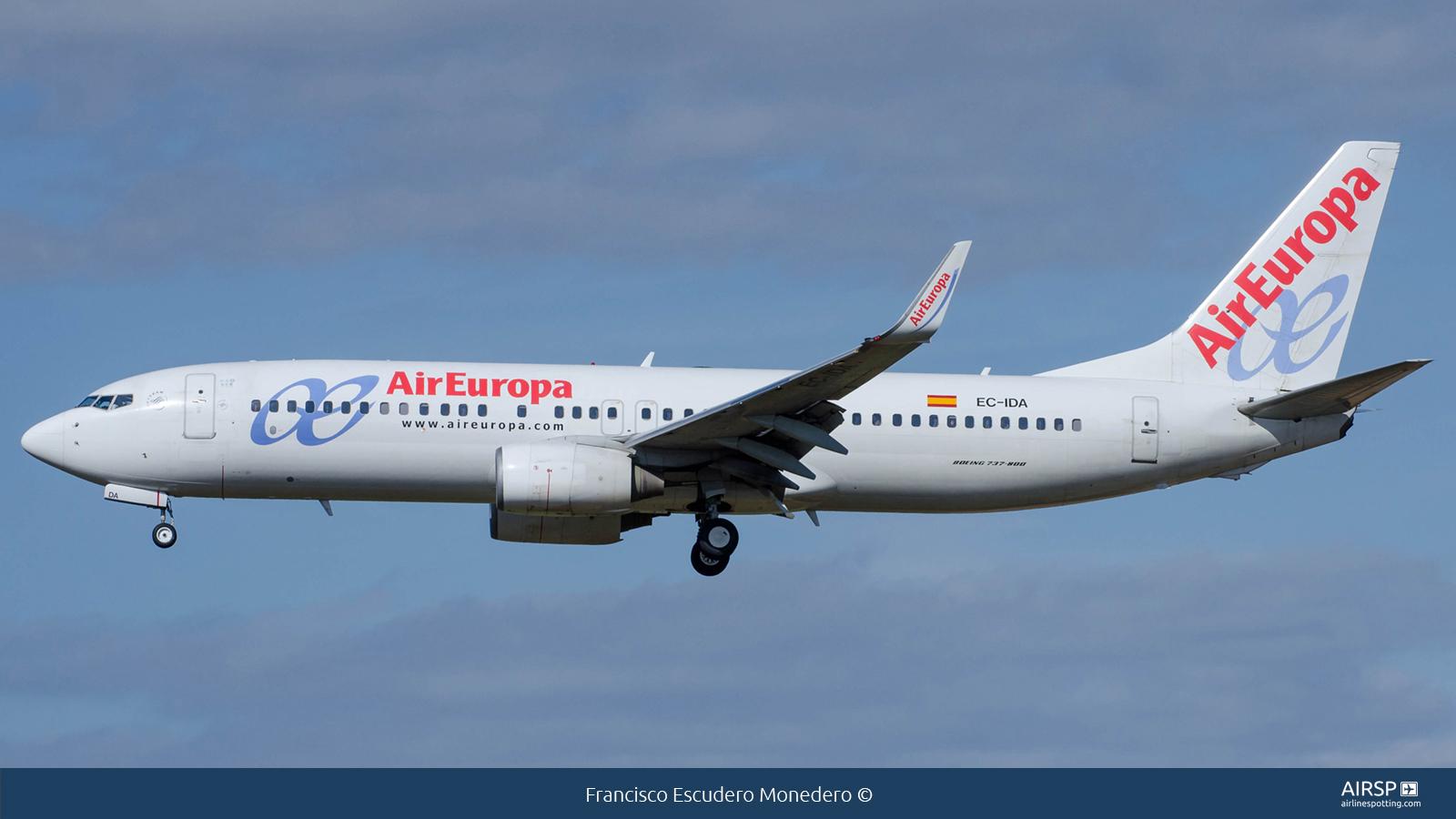 Air Europa  Boeing 737-800  EC-IDA