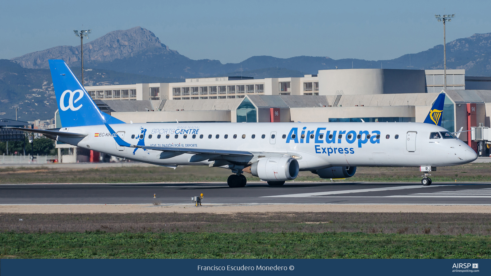 Air Europa Express  Embraer E195  EC-KRJ