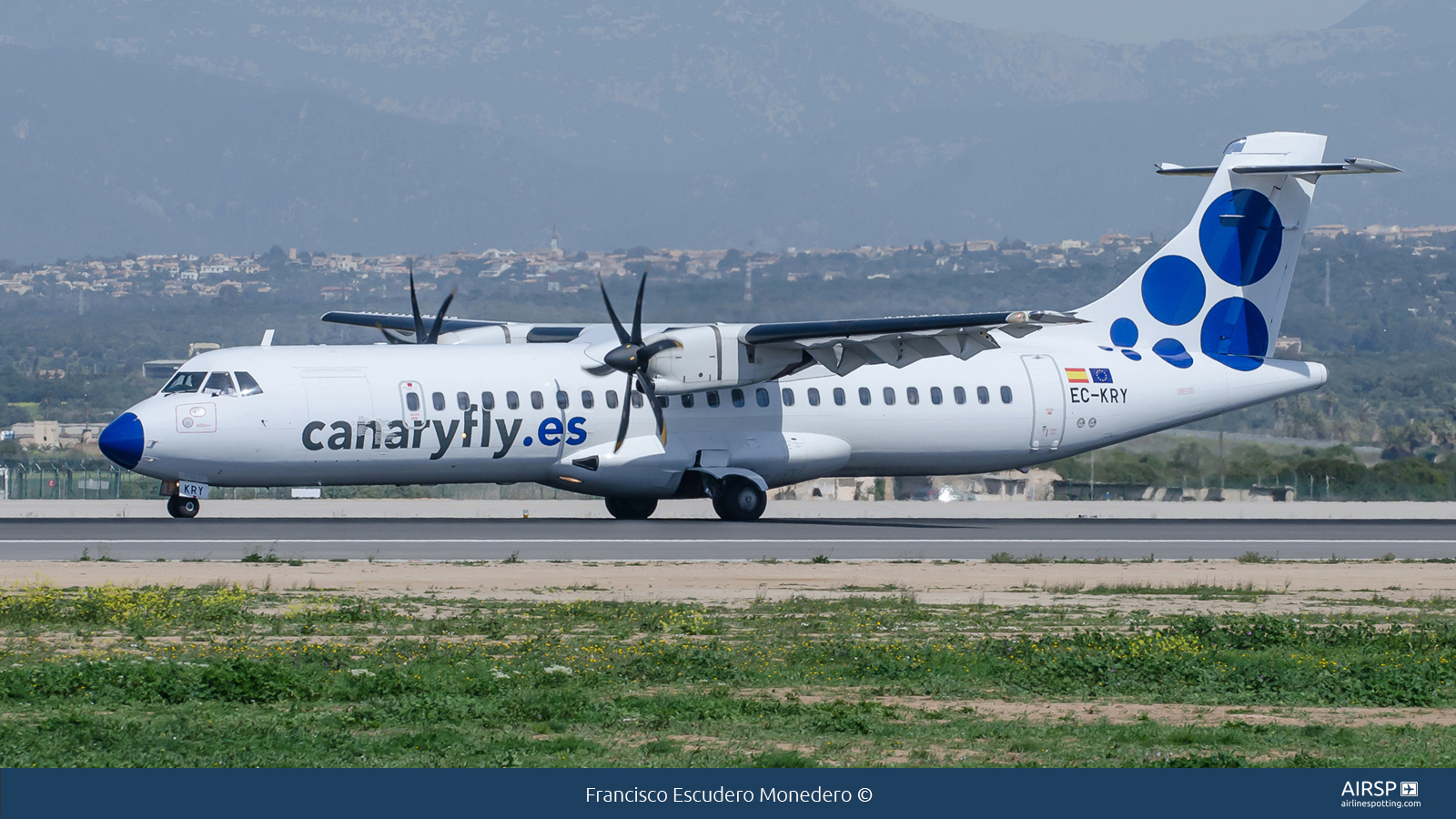 Canary Fly  ATR-72  EC-KRY