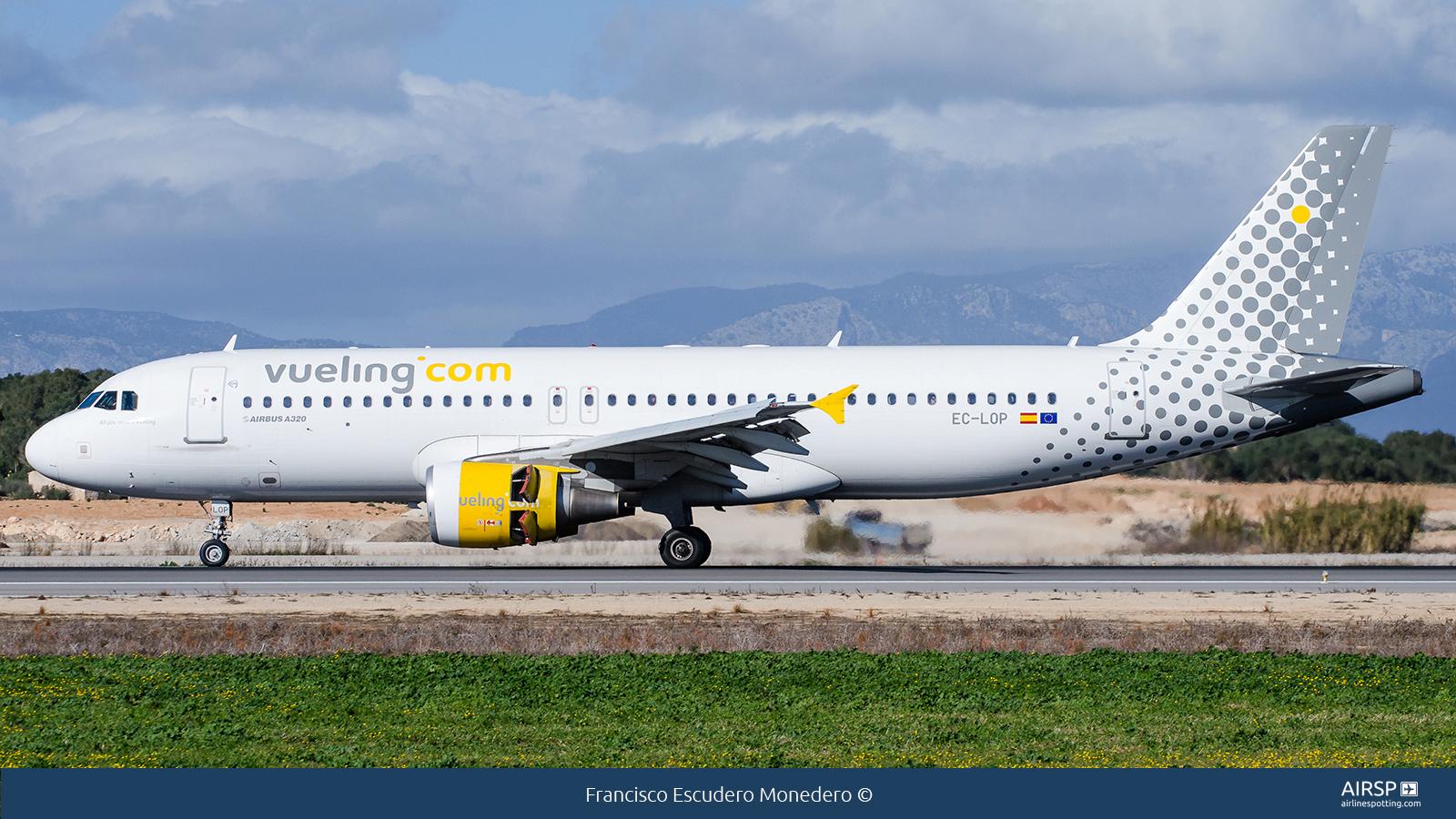 Vueling  Airbus A320  EC-LOP