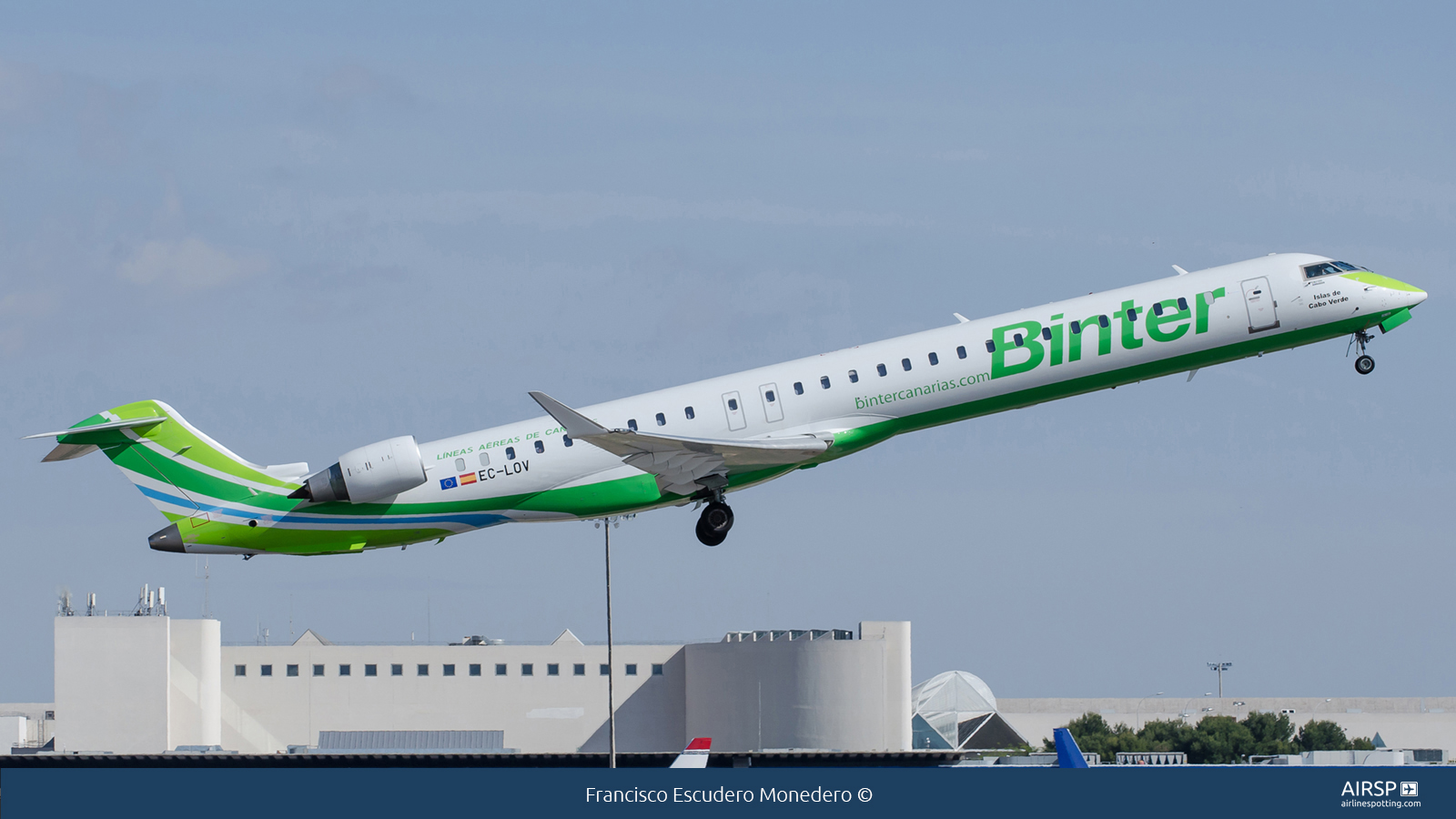Binter Canarias  Bombardier CRJ-1000  EC-LOV
