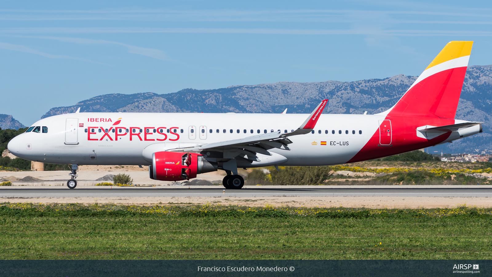 Iberia Express  Airbus A320  EC-LUS
