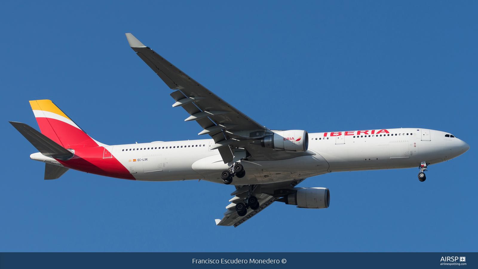 Iberia  Airbus A330-300  EC-LXK
