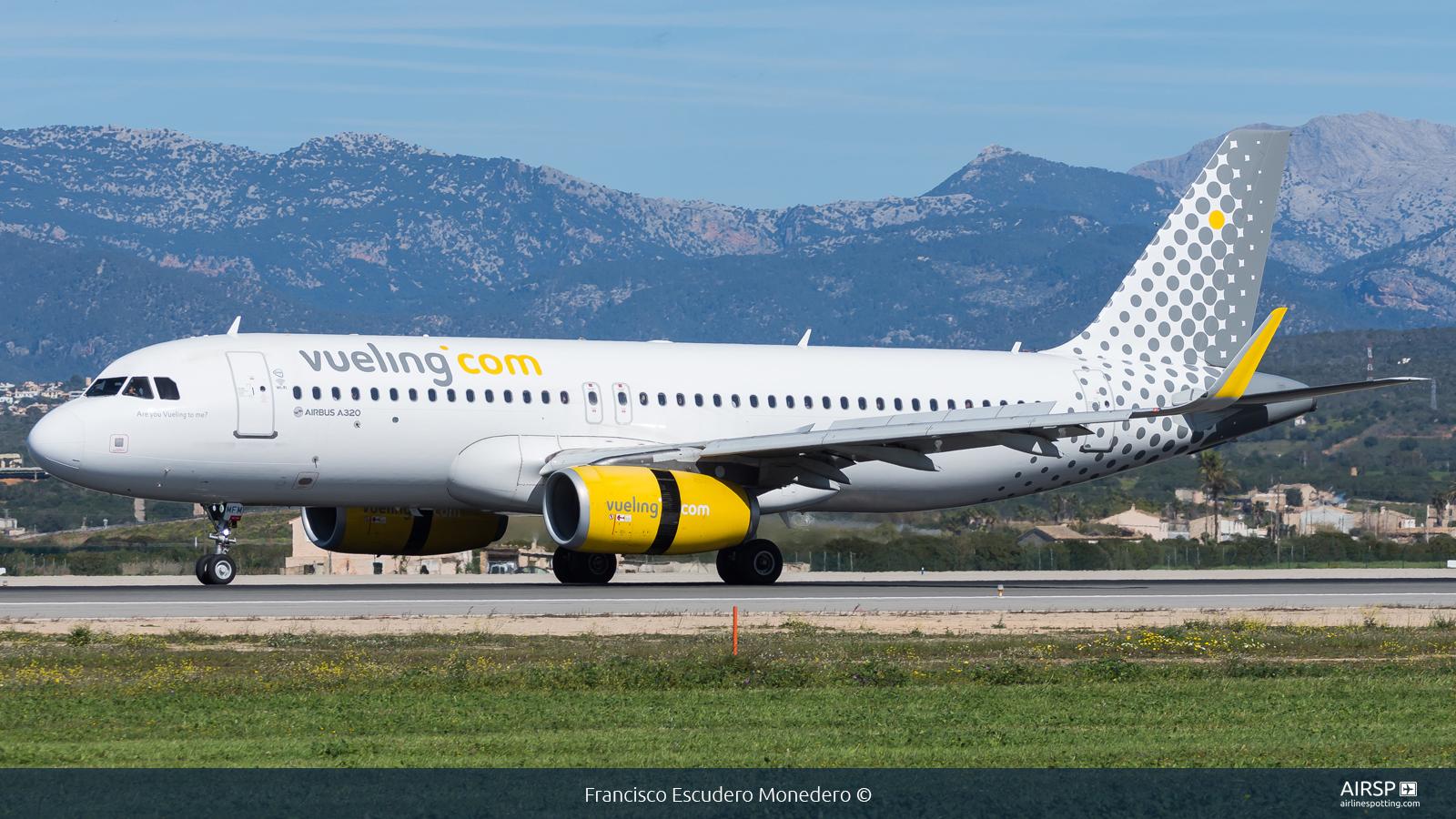 Vueling  Airbus A320  EC-MFM