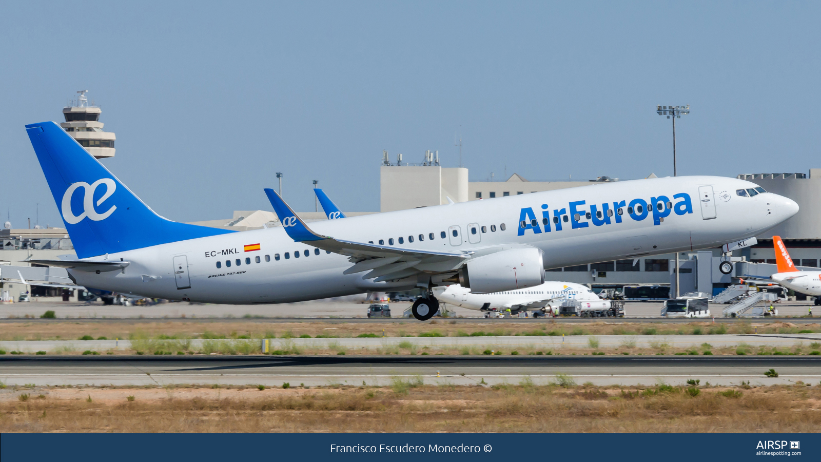 Air Europa  Boeing 737-800  EC-MKL