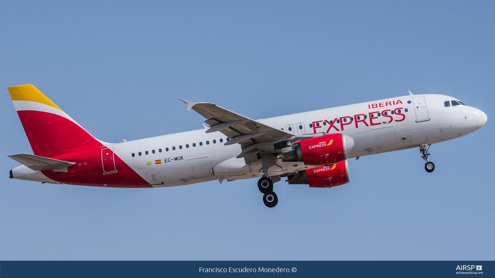 Iberia Express  Airbus A320  EC-MUK