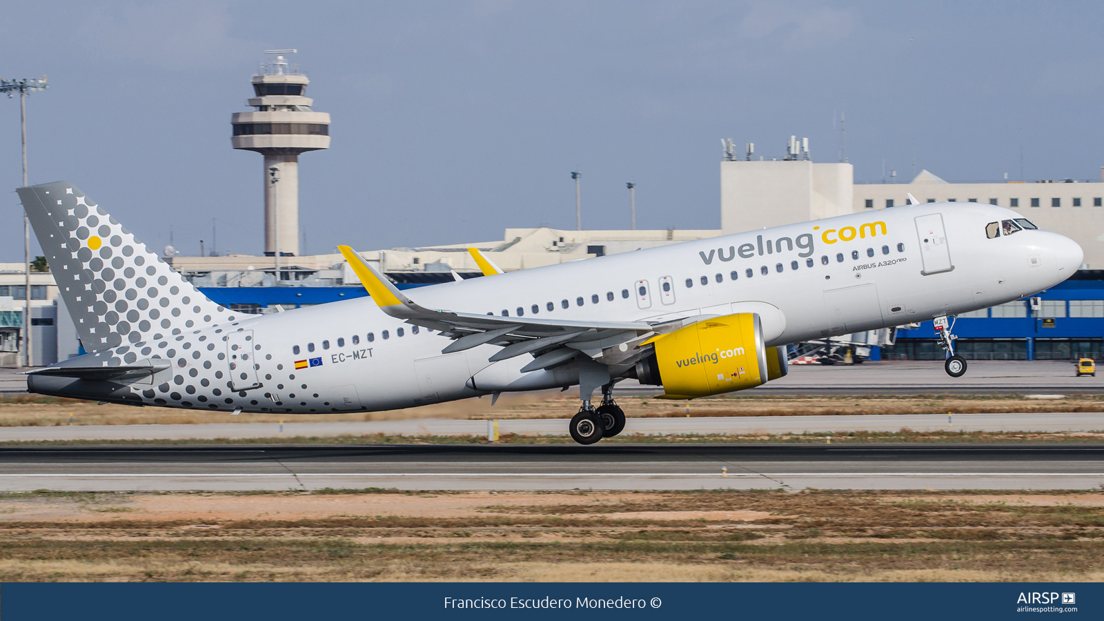 Vueling  Airbus A320neo  EC-MZT
