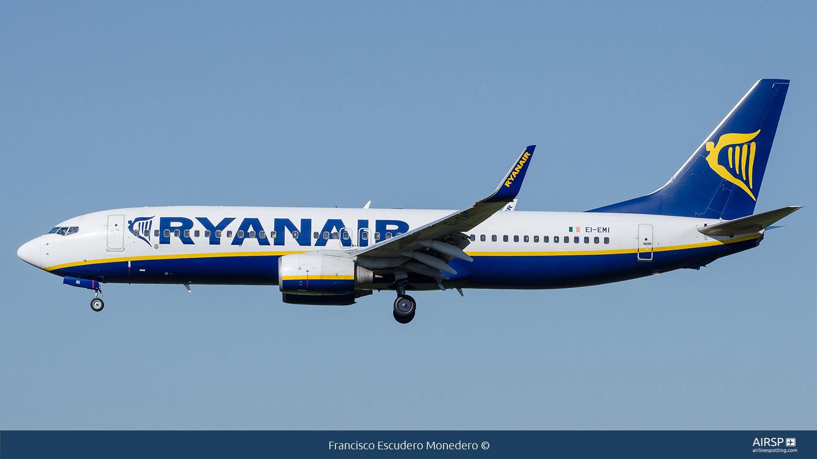 RyanairBoeing 737-800EI-EMI