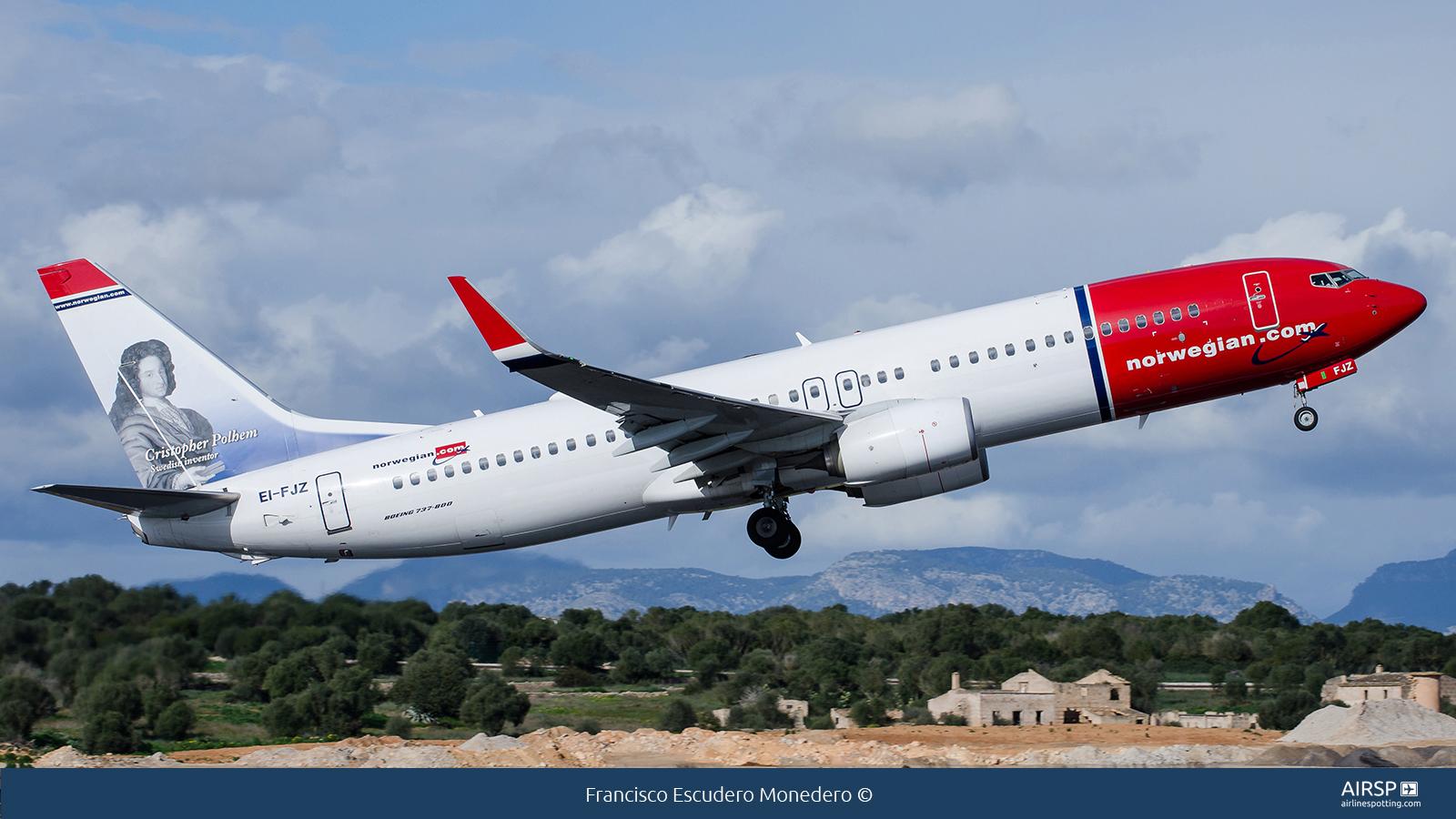 Norwegian  Boeing 737-800  EI-FJZ