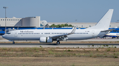 Meridiana Boeing 737-800
