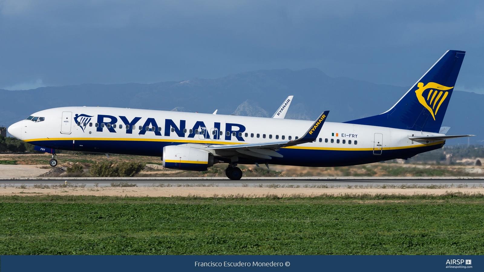 Ryanair  Boeing 737-800  EI-FRY