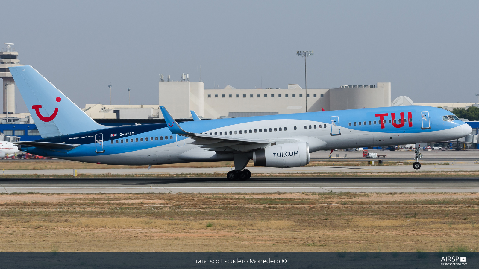 Tui Airways  Boeing 757-200  G-BYAY