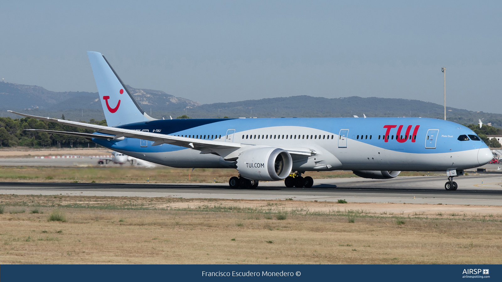 Tui Airways  Boeing 787-9  G-TUIJ