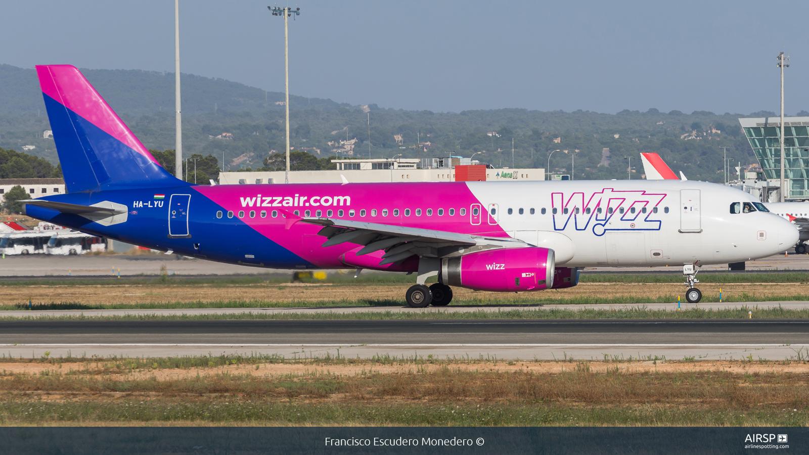 Wizz Air  Airbus A320  HA-LYU