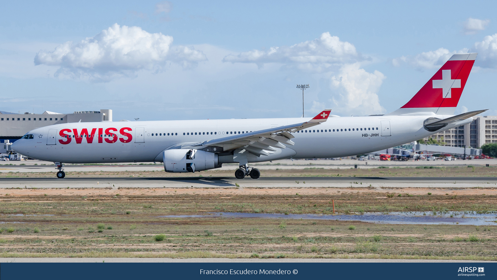 Swiss  Airbus A330-300  HB-JHH