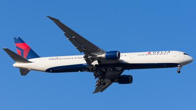 Delta Airlines Boeing 767-400