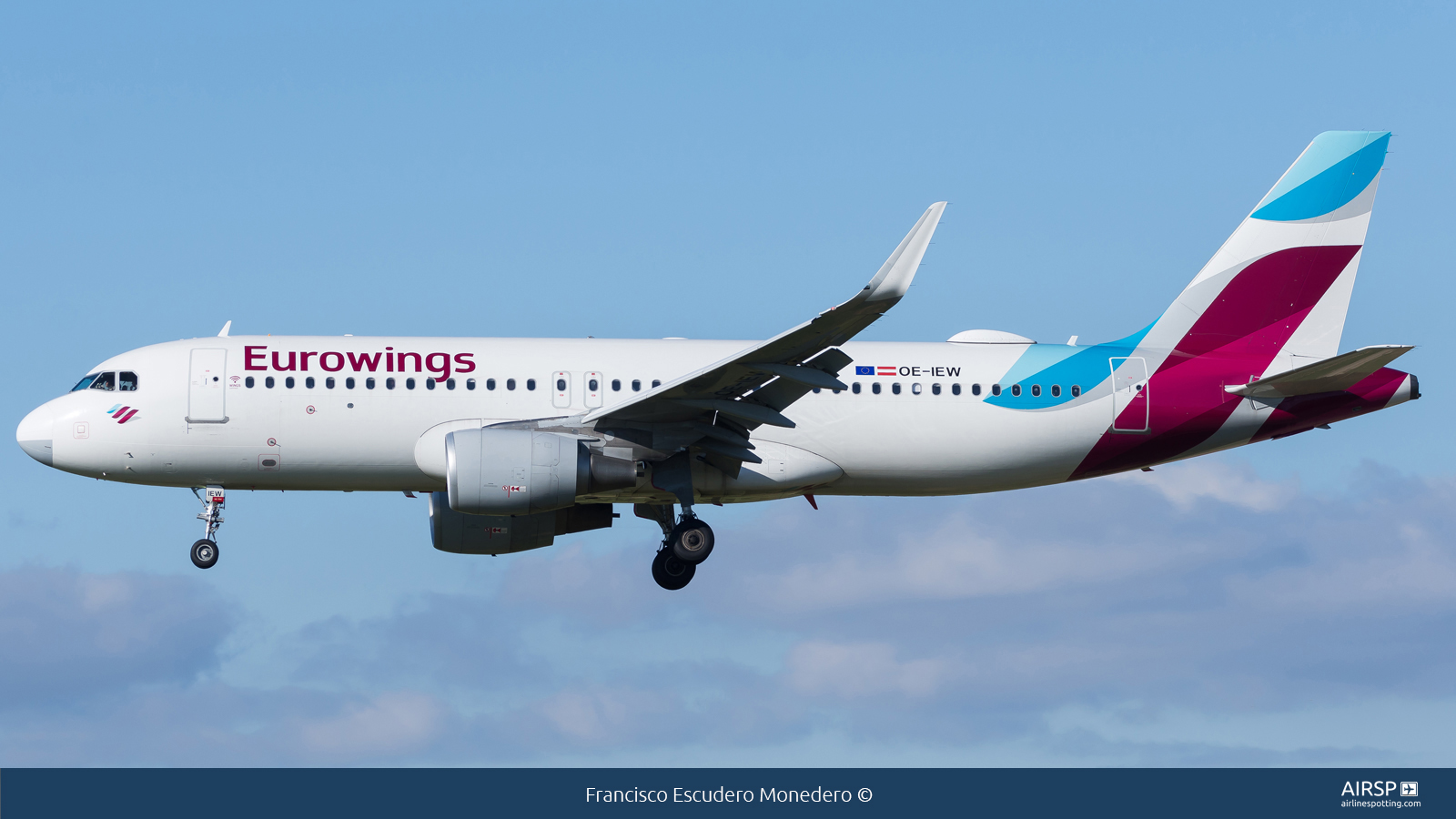 Eurowings  Airbus A320  OE-IEW