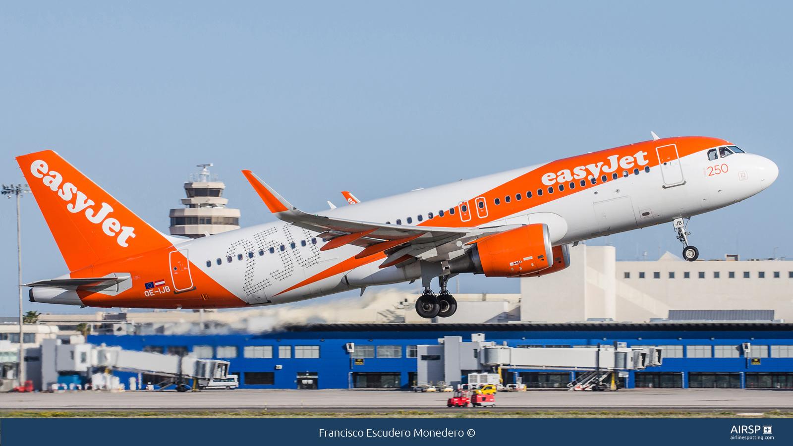 Easyjet  Airbus A320  OE-IJB
