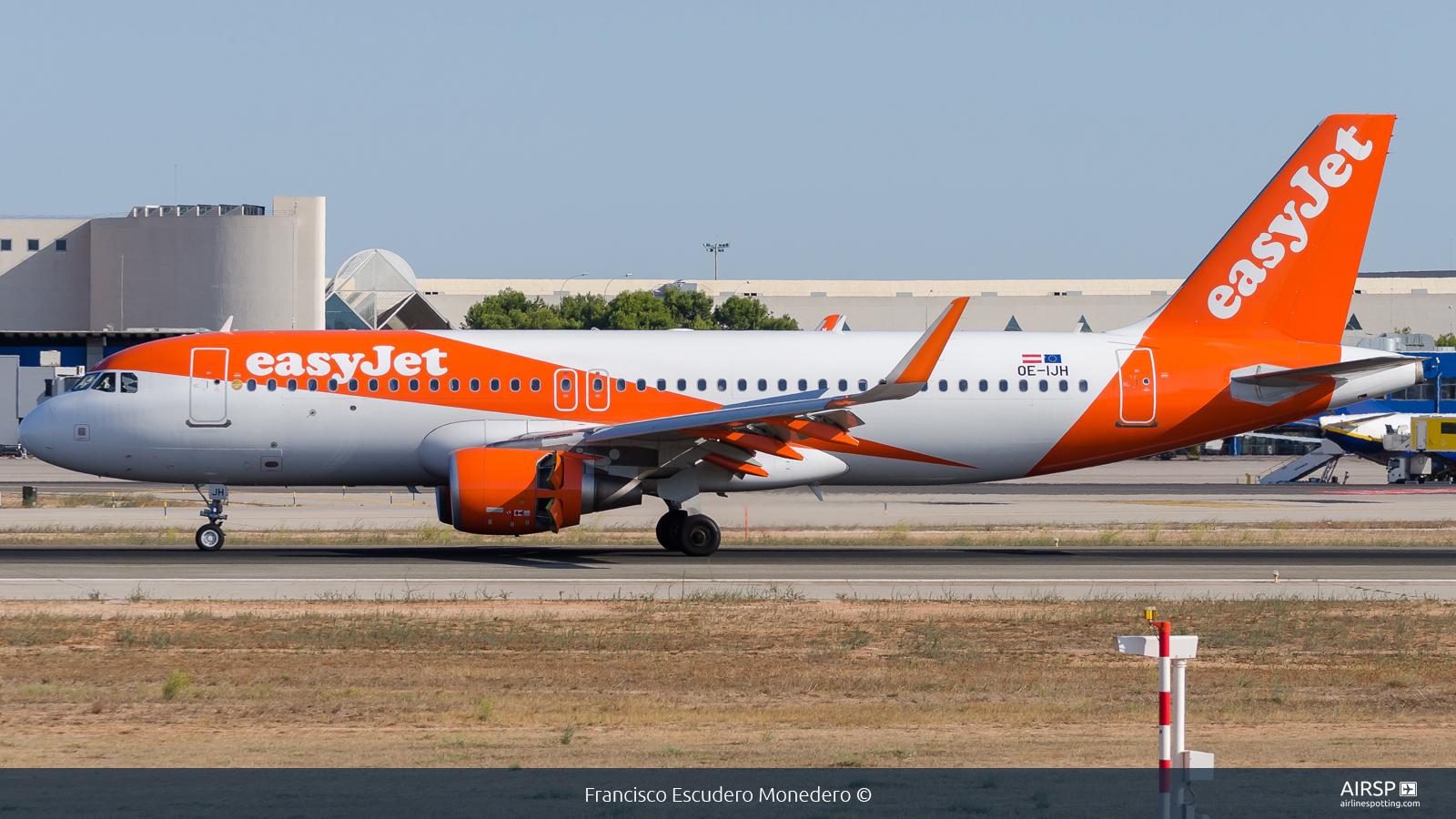 Easyjet  Airbus A320  OE-IJH