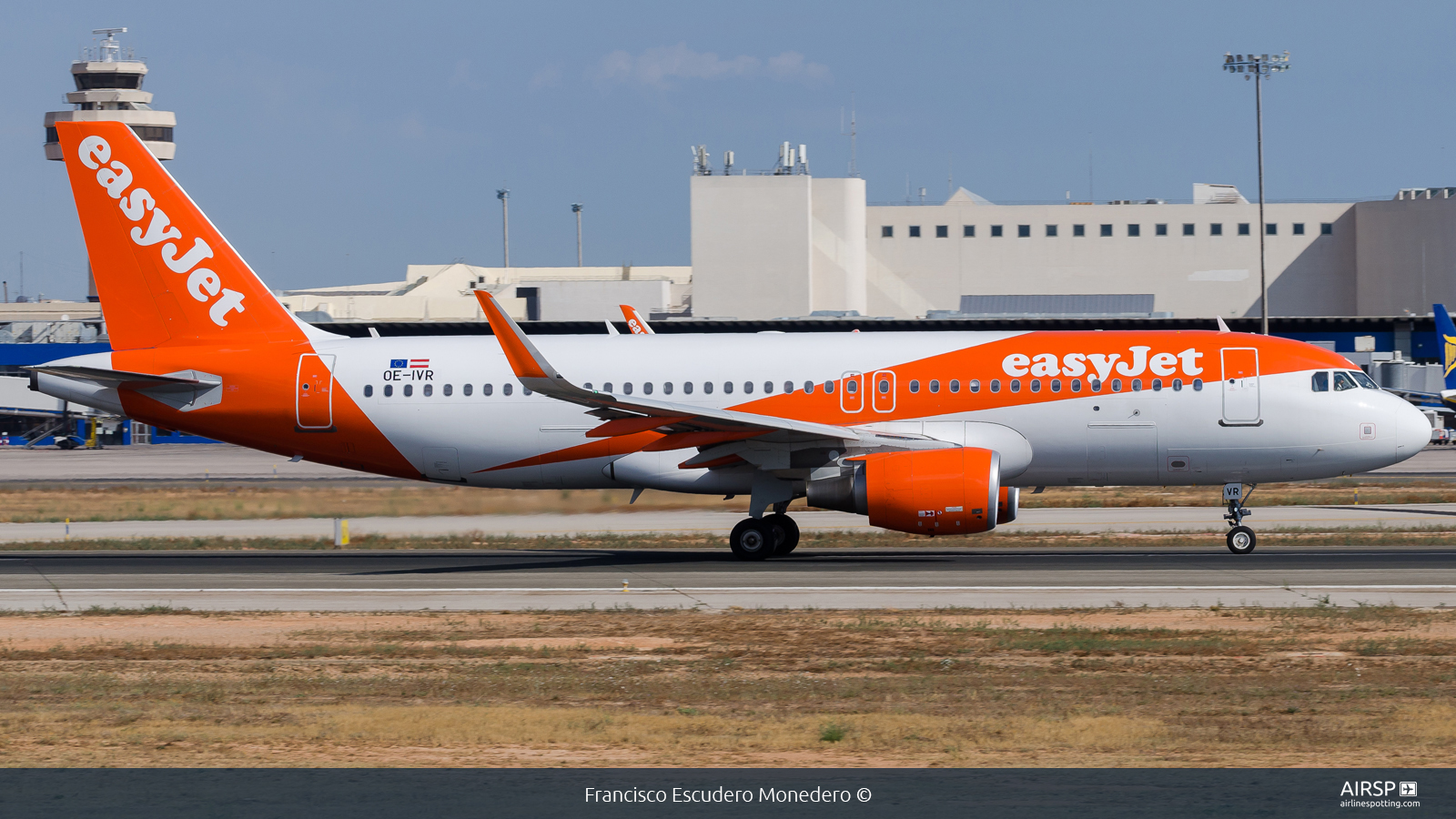 Easyjet  Airbus A320  OE-IVR