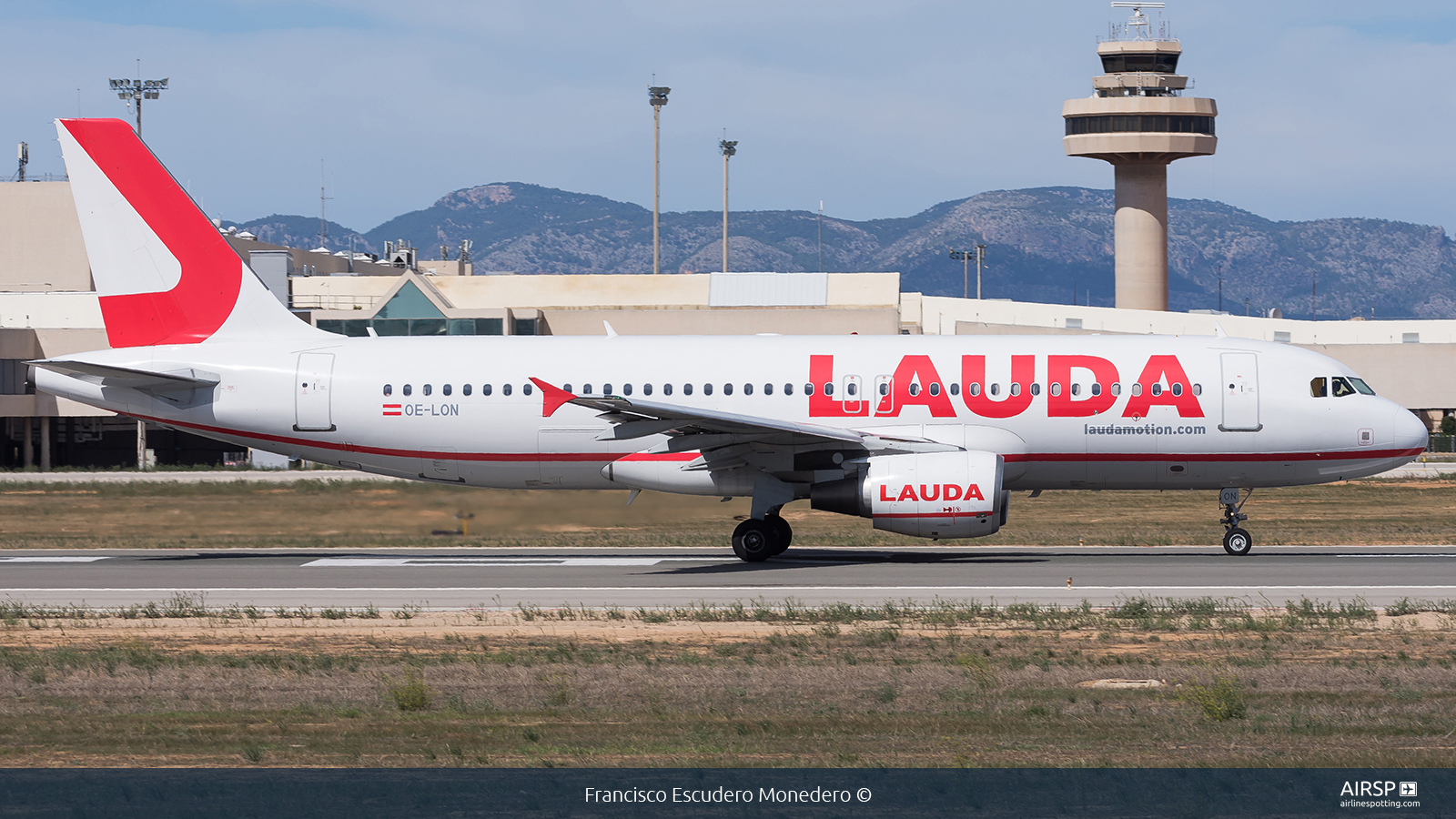 Laudamotion  Airbus A320  OE-LON