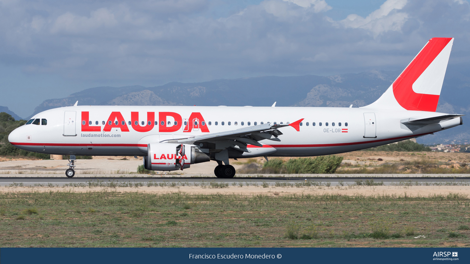 Laudamotion  Airbus A320  OE-LOR