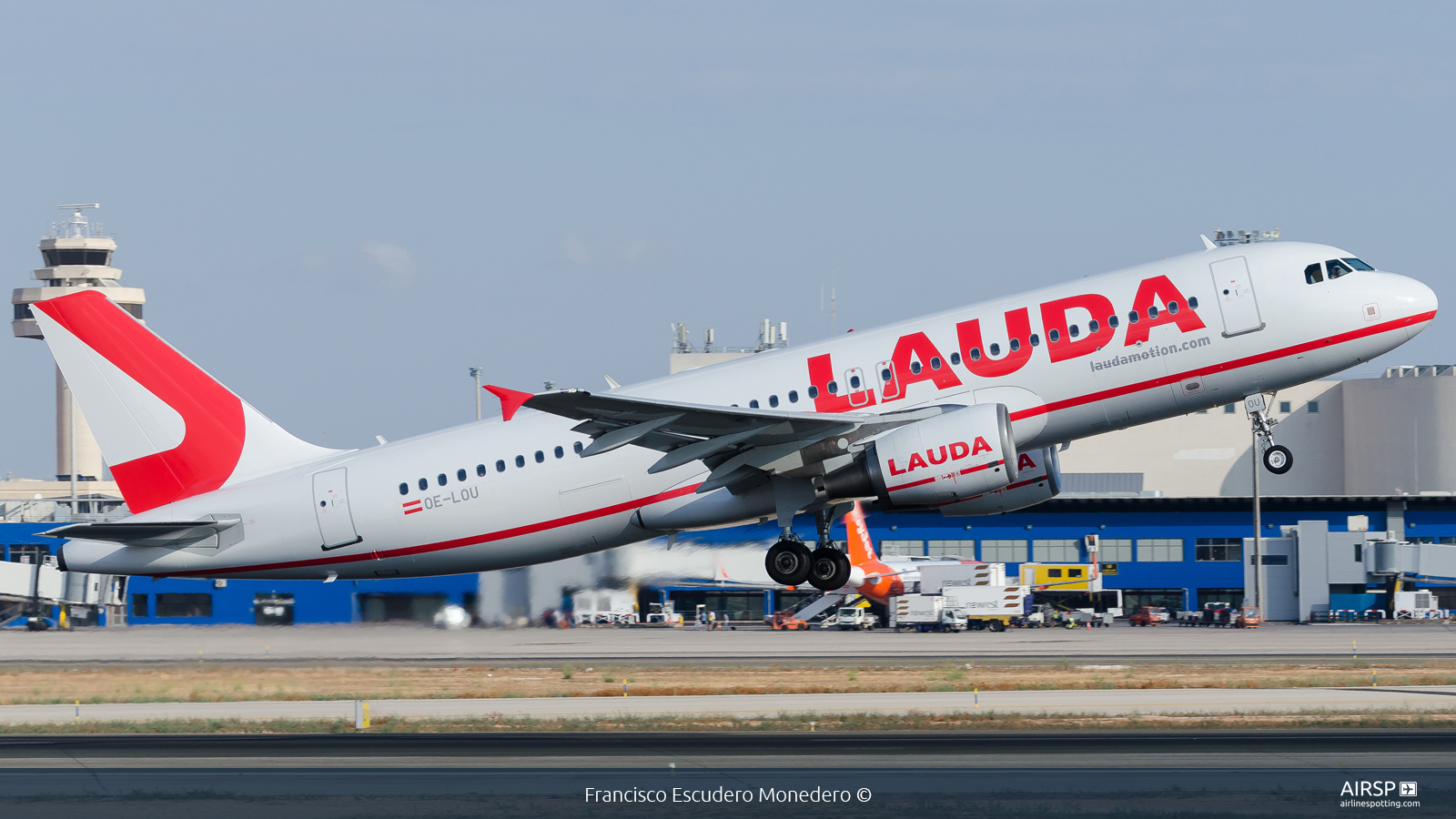 Laudamotion  Airbus A320  OE-LOU
