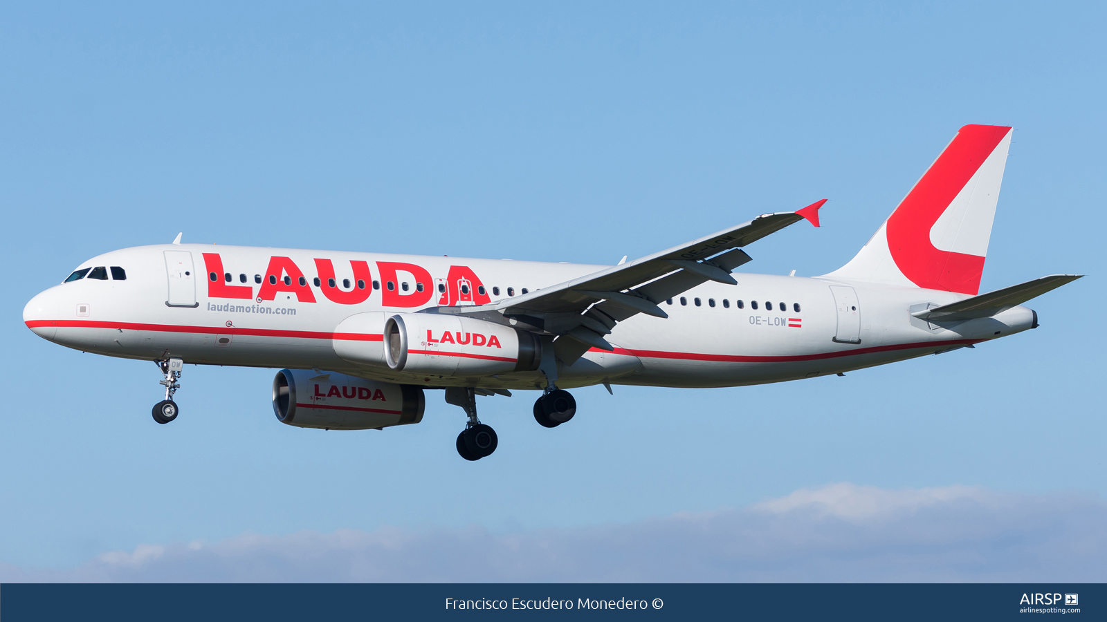 Laudamotion  Airbus A320  OE-LOW