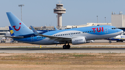 Tui Airways Boeing 737-700