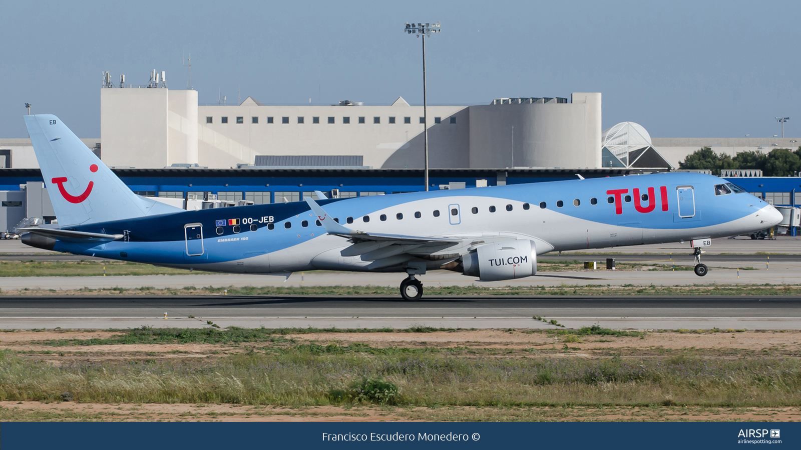 Tui Airways  Embraer ERJ-190  OO-JEB