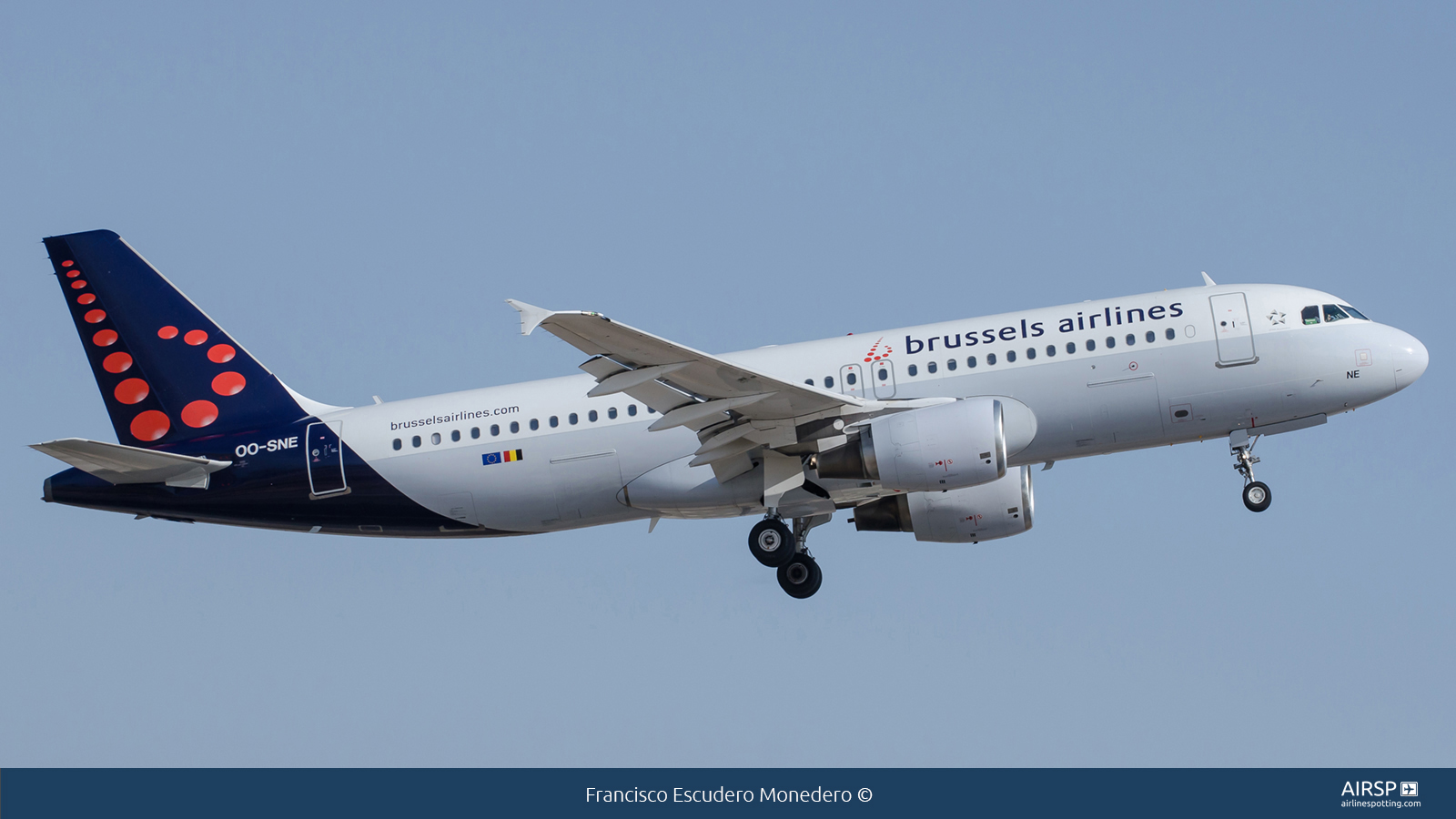 Brussels Airlines  Airbus A320  OO-SNE