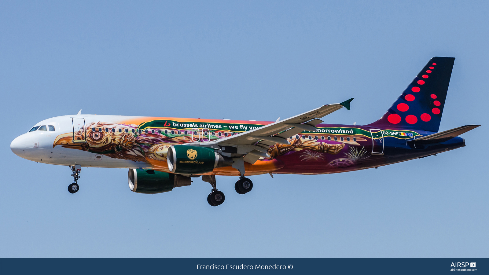 Brussels Airlines  Airbus A320  OO-SNF