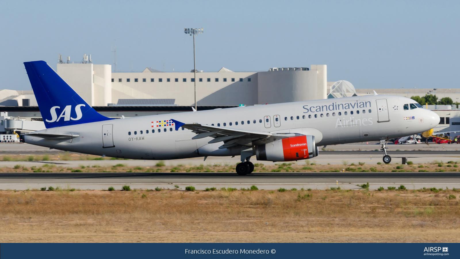 SAS Scandinavian AirlinesAirbus A320OY-KAW