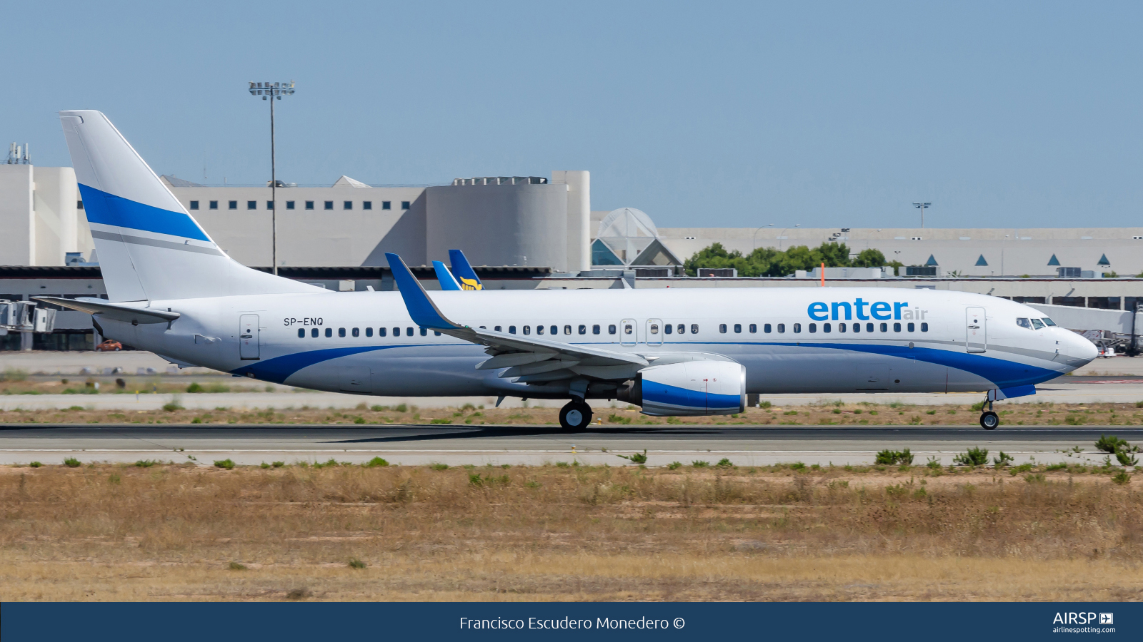 Enter Air  Boeing 737-800  SP-ENQ