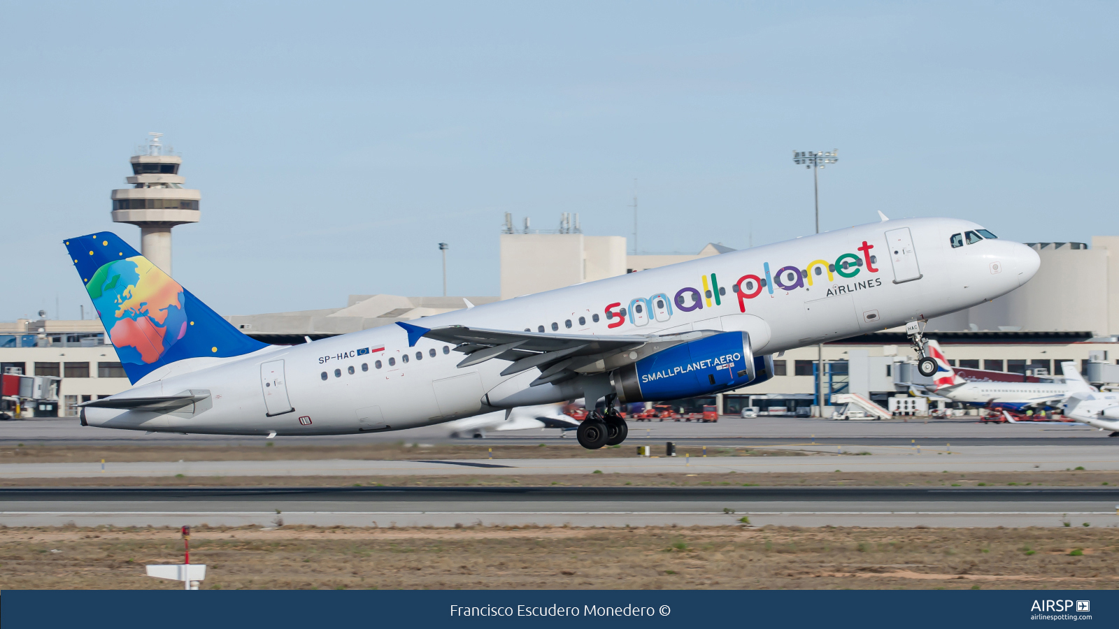 Small Planet Airlines  Airbus A320  SP-HAC