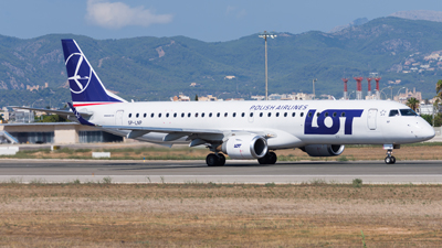 LOT Polish Airlines Embraer E195