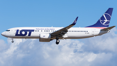 LOT Polish Airlines Boeing 737-800