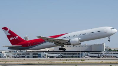 Ikar Boeing 767-300