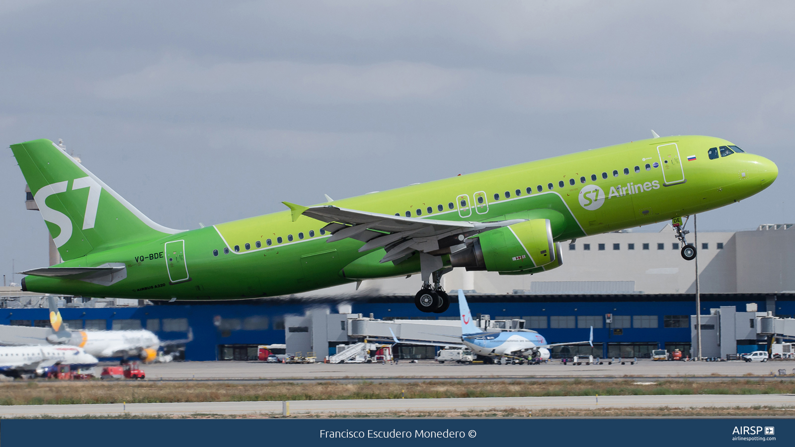 S7 Airlines  Airbus A320  VQ-BDE