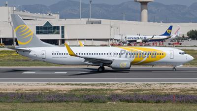 Primera Air Boeing 737-800