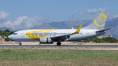 Primera Air Boeing 737-700